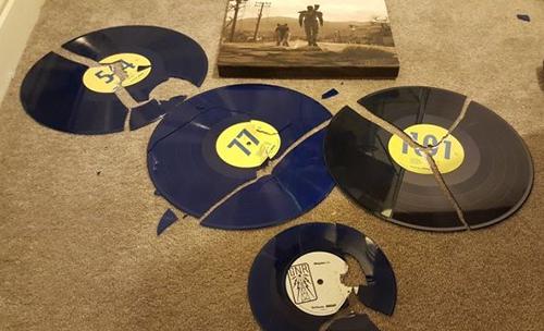 http://fallout-area.de/media/content/Vinyl.jpg